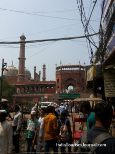 The Jama Masjid-street view